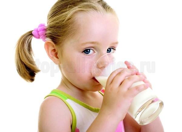 Как проявляется аллергия у ребенка на молоко коровье молоко