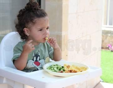 Чем кормить ребенка при аллергии – гипоаллергенное меню