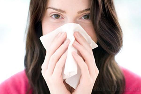 как остановить аллергию в домашних условиях