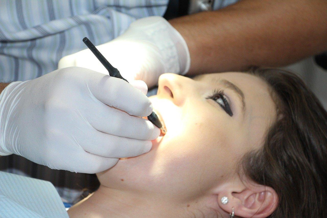 Как выбрать хорошего стоматолога и вылечить все зубы?