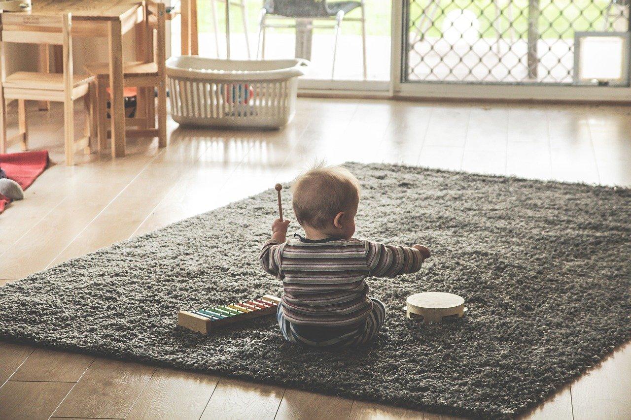 Почему ребенок начал ходить на носочках: диагностика и лечение